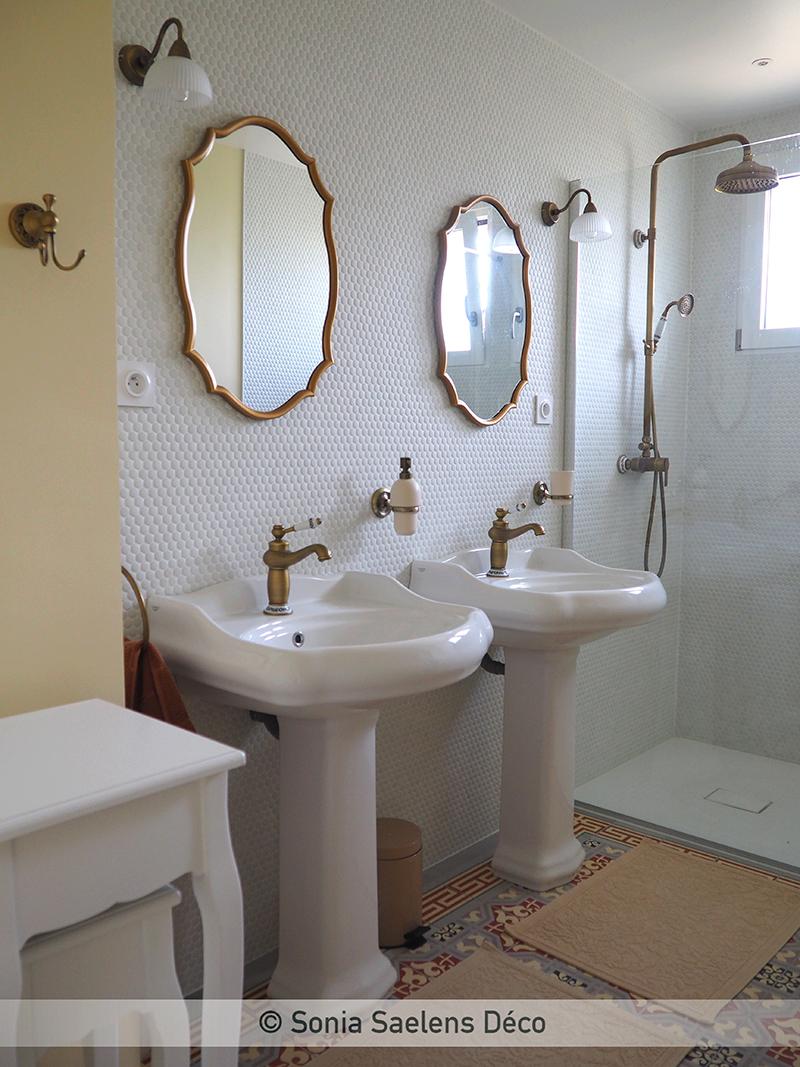 Inspiration années 30 dans une salle de bain
