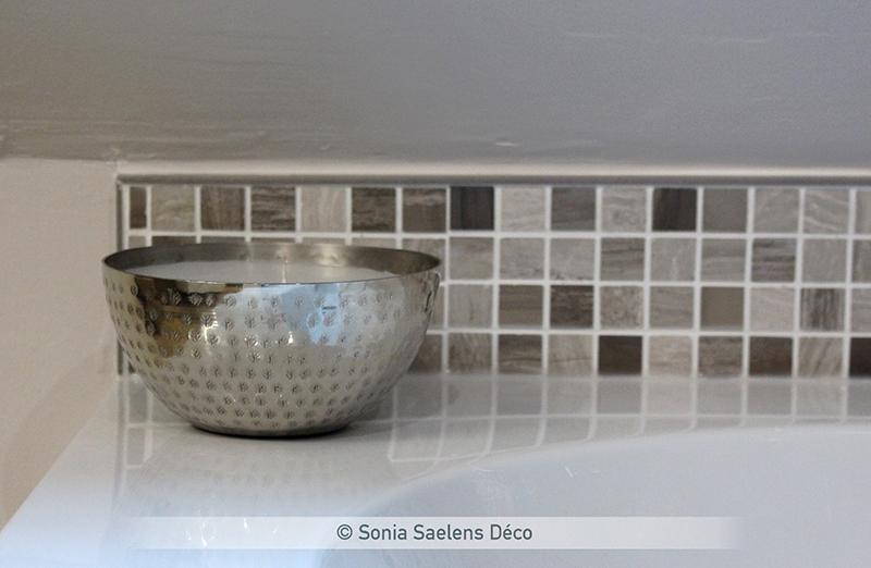 Comment aménager une salle de bain moderne et chaleureuse